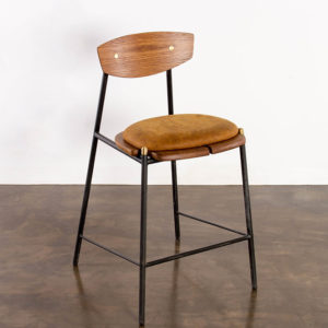 Kink Bar Stool with leather cushion