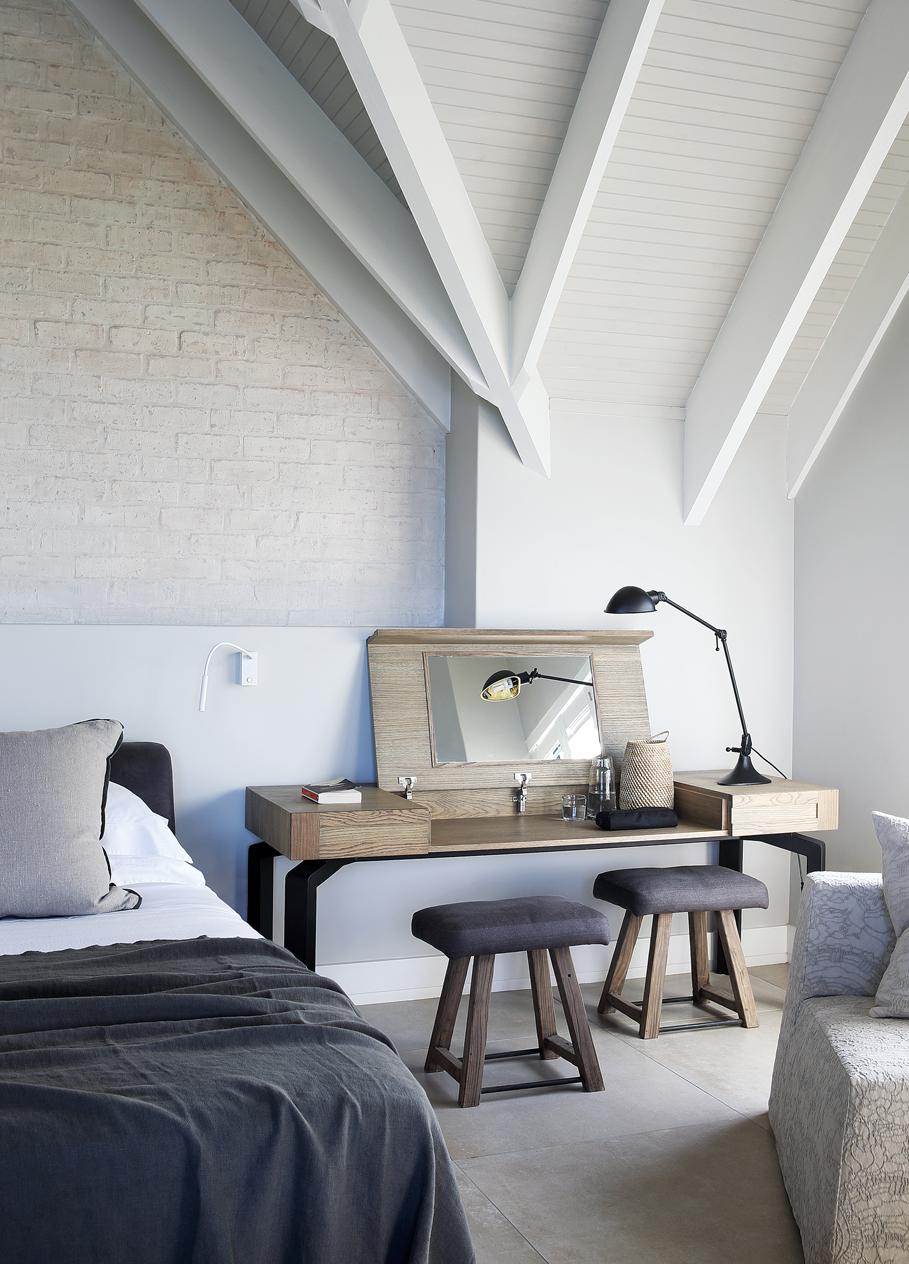 11-main-bed
