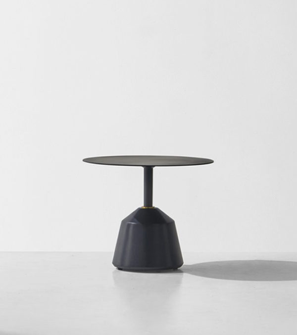 EXETER-SIDE-TABLE---LOW----Black-Concrete-Base